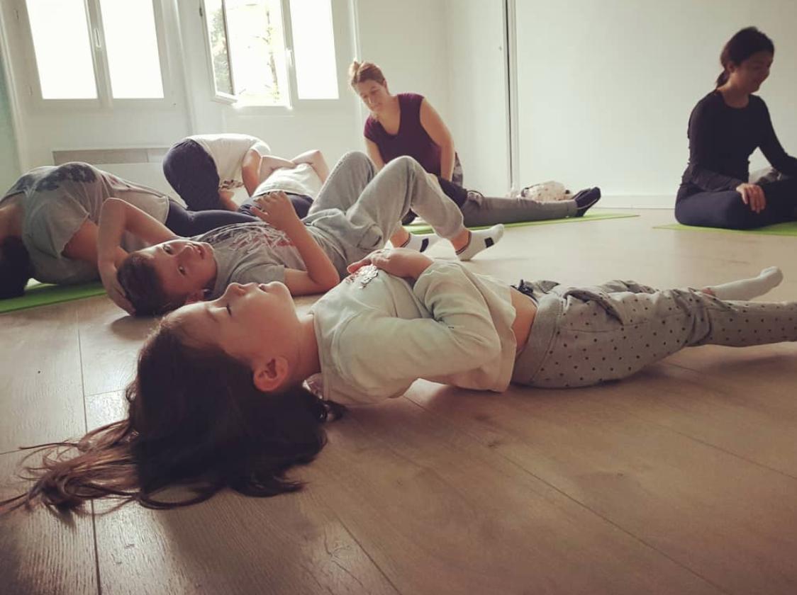 yoga enfants chez maman cool rueil malmaison
