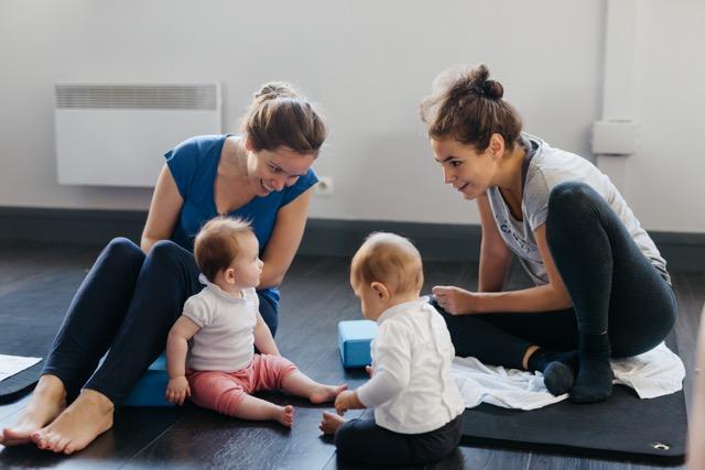 yoga et danse maman bébé chez origyn