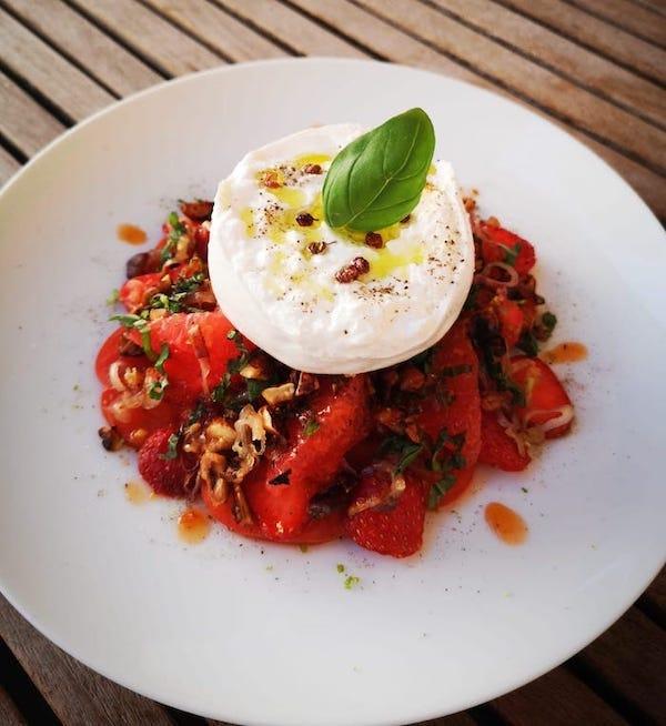 Salade tomate pamplemousse fraises burrata citron vert